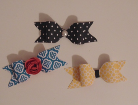 Igunastamp! paper bows made with the Stampin' Up envelope punch board