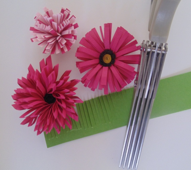 Iguanastamp! Flowers made with Stampin' Up fringe scissors